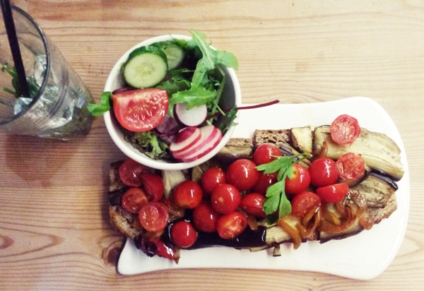 le-pain-quotidien-vejetaryen-vegan-mekan-restorant-istanbul