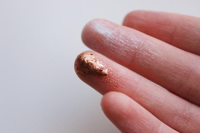 sugarpill-lumi-penelope-pigment-far-bakir-turkuaz-ışıltılı-swatch-cruelty-free-vegan